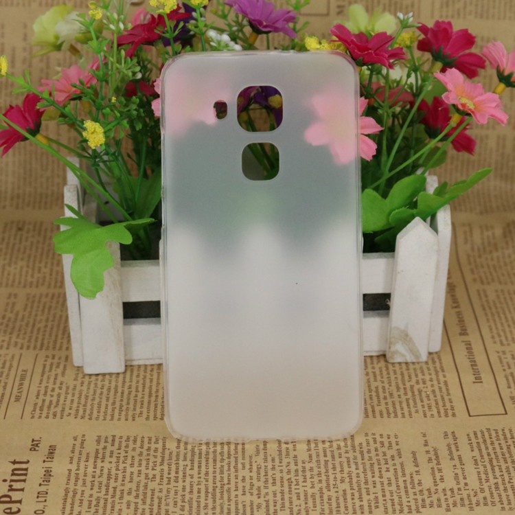 Накладка KissWill силиконовая для Huawei Nova Plus (Maimang 5/G9 Plus) прозрачно-белая